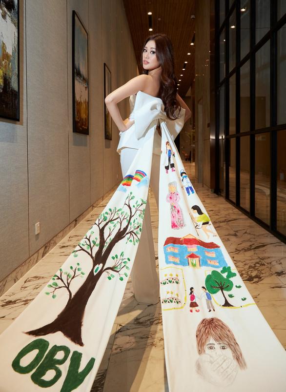 Khánh Vân đưa dự án bảo vệ trẻ em bị xâm hại đến Miss Universe - Ảnh 2.
