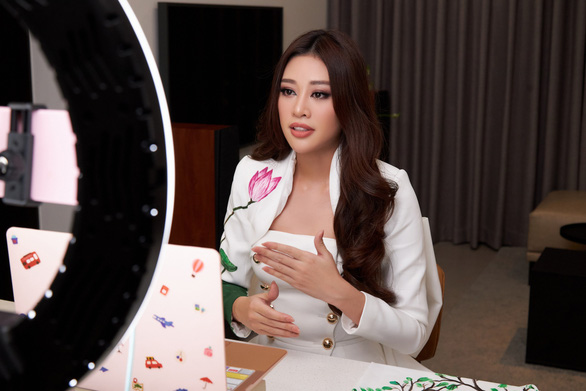 Khánh Vân đưa dự án bảo vệ trẻ em bị xâm hại đến Miss Universe - Ảnh 1.