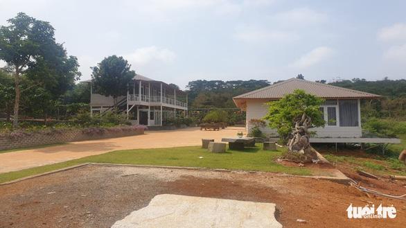 Vụ phá rừng phòng hộ xây khu nghỉ dưỡng ở Đắk Nông: Huyện hứa làm quyết liệt - Ảnh 2.