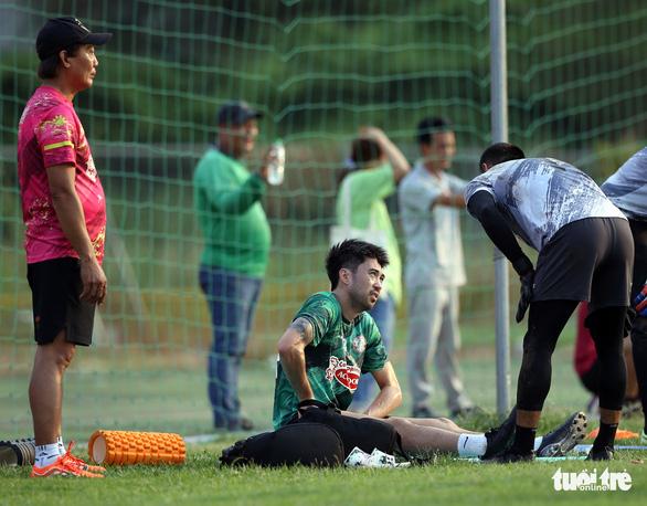 Lee Nguyễn bỏ ngỏ khả năng thi đấu trận TP.HCM gặp Bình Định - Ảnh 5.