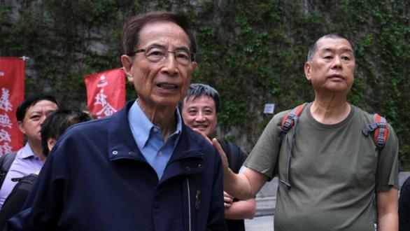 Tỉ phú truyền thông Jimmy Lai và luật sư Martin Lee bị kết tội - Ảnh 1.