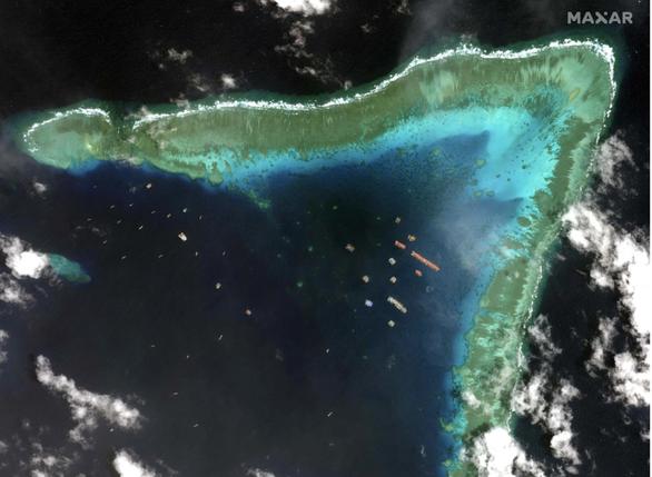 Philippines đưa máy bay tuần tra đá Ba Đầu, phớt lờ Trung Quốc 5 lần xua đuổi - Ảnh 2.