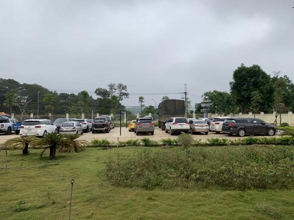 Thuê hàng chục ô tô bạc tỉ ở TP.HCM mang lên Đắk Nông cầm cố, bán đứt - Ảnh 2.