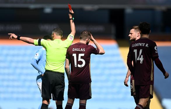 Man City thua sốc trước 10 người Leeds - Ảnh 2.