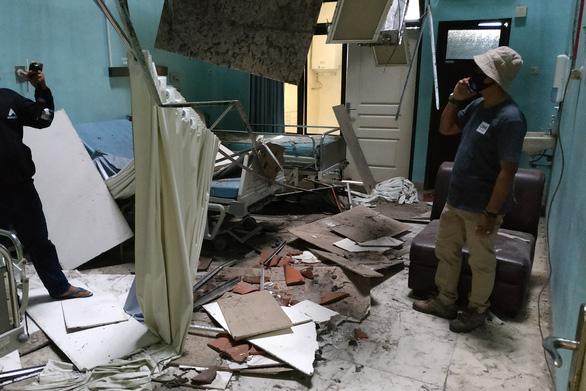 Động đất mạnh ngoài khơi Indonesia, ít nhất 6 người chết - Ảnh 1.