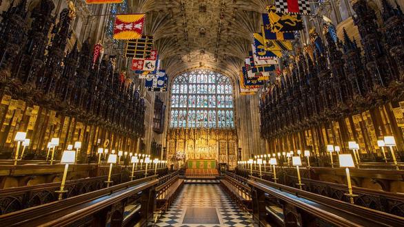 Tang lễ Hoàng thân Philip: Treo cờ rủ, bắn đại bác, không có quốc tang - Ảnh 3.
