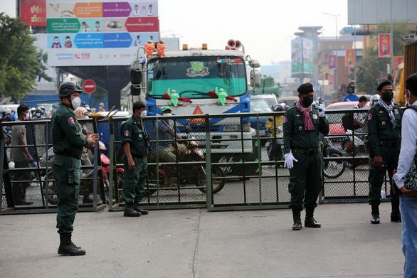Ca COVID tăng vọt 3 con số, chuyện gì xảy ra ở Campuchia, Thái Lan? - Ảnh 1.