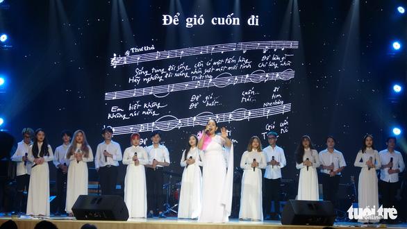 Đức Tuấn, Lân Nhã, Kyo York hát tưởng nhớ nhạc sĩ Trịnh Công Sơn - Ảnh 1.