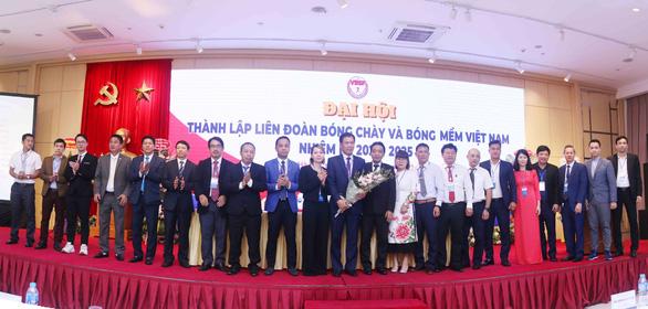 Ông Trần Đức Phấn được bầu làm chủ tịch Liên đoàn Bóng chày và bóng mềm Việt Nam - Ảnh 1.