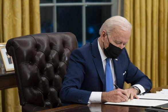 Ông Biden đề xuất chi tiêu quốc phòng 715 tỉ USD chống lại thách thức hàng đầu Trung Quốc - Ảnh 1.