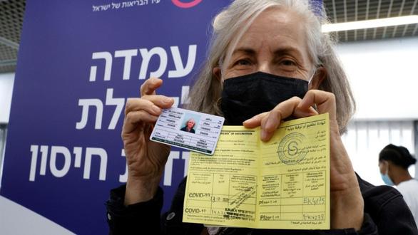 Vắc xin chưa ổn lại lo thêm 'hộ chiếu vắc xin' giả