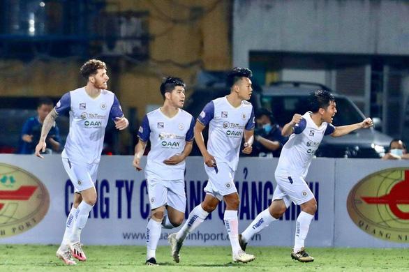 Quang Hải kiến tạo và ghi bàn, CLB Hà Nội thắng đậm - Ảnh 1.