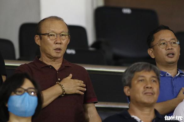 Thủ môn CLB Sài Gòn cứu thua khiến HLV CLB Hà Tĩnh muốn đuổi ngoại binh - Ảnh 3.
