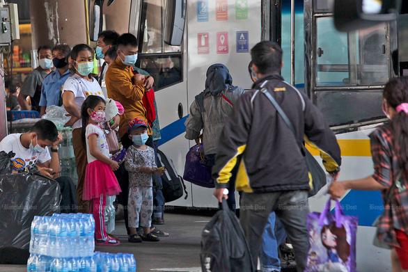 Lo vỡ trận y tế, Bangkok gấp rút xây nhiều bệnh viện dã chiến - Ảnh 5.