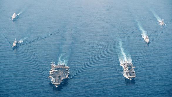 200 tàu Trung Quốc ở đá Ba Đầu, Mỹ - Philippines sẽ tập trận ở Biển Đông? - Ảnh 1.