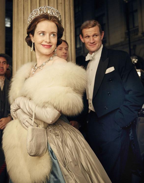 Hoàng thân Philip có bị khắc họa sai lệch trong phim nổi tiếng The Crown? - Ảnh 3.