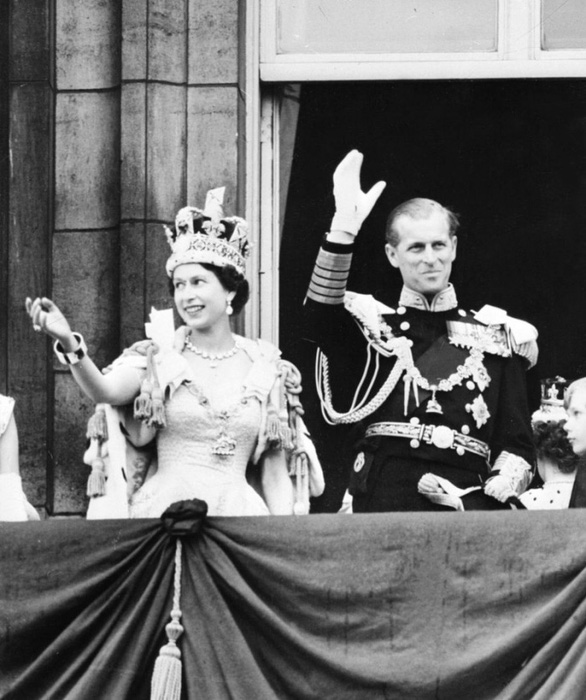 Hoàng thân Philip có bị khắc họa sai lệch trong phim nổi tiếng The Crown? - Ảnh 4.