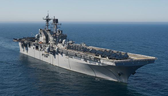 Bộ trưởng quốc phòng Mỹ - Philippines bàn cách đối phó tàu Trung Quốc ở Đá Ba Đầu - Ảnh 1.