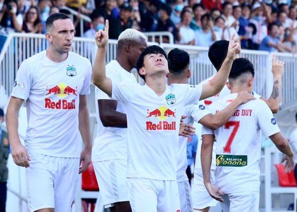 Dẫn trước 3-0, HAGL thắng vất vả Nam Định 4-3 ở phút 90+6 - Ảnh 2.
