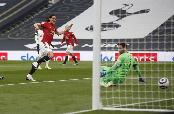 Bùng nổ hiệp 2, Man Utd xử đẹp Tottenham - Ảnh 1.