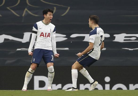 Bùng nổ hiệp 2, Man Utd xử đẹp Tottenham - Ảnh 2.