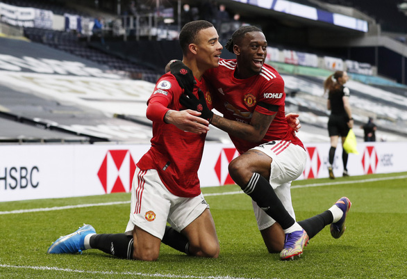 Bùng nổ hiệp 2, Man Utd xử đẹp Tottenham - Ảnh 5.