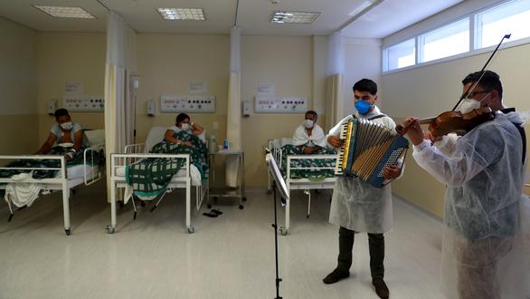 Mỗi phút 3 người chết vì COVID-19 ở Brazil - Ảnh 3.
