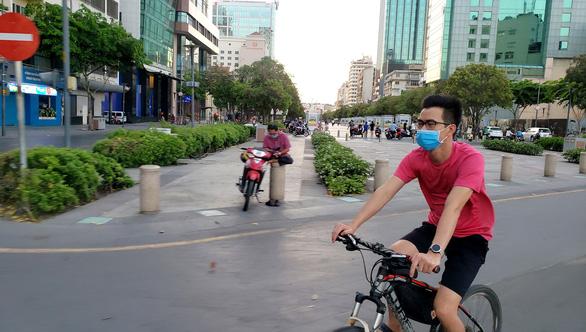 Sài Gòn bao dung - TP.HCM nghĩa tình: Có bây đó đồ ăn, không phải tiền nong gì - Ảnh 1.
