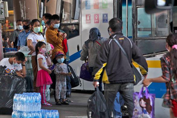 Tết Songkran không té nước vì COVID-19 - Ảnh 1.