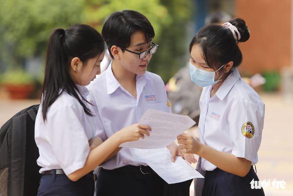 TP.HCM quy định mới về tuyển thẳng vào lớp 10 - Ảnh 1.