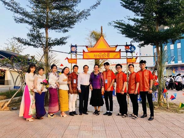 Tổ chức Tết cổ truyền Chol-Chnam-Thmay cho sinh viên, học viên Campuchia học ngành y - Ảnh 2.
