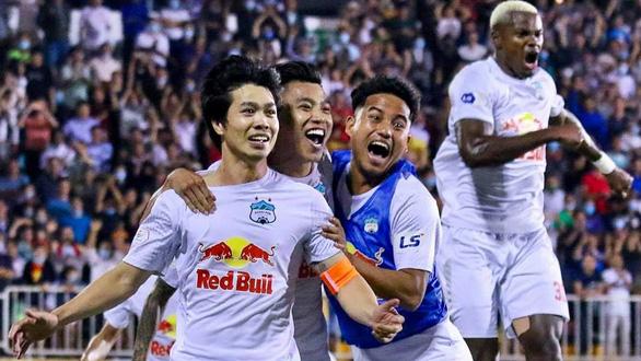 Vòng 9 V-League 2021: Bài học khó quên cho Hoàng Anh Gia Lai - Ảnh 1.