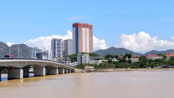 Cơ quan điều tra yêu cầu thẩm định giá trị đất dự án Napoleon Catsle, Nha Trang - Ảnh 1.