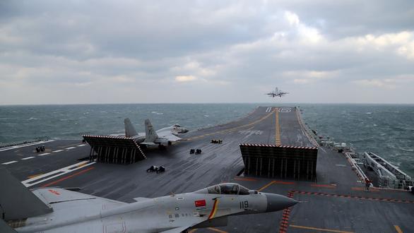 Tàu sân bay Mỹ vừa rời Biển Đông, Trung Quốc động thủ đáng lo ngại - Ảnh 3.