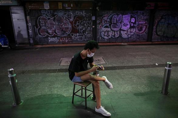 Tết cổ truyền Thái Lan: đường phố khắp nước vắng lặng, không té nước - Ảnh 4.