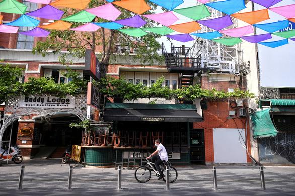 Tết cổ truyền Thái Lan: đường phố khắp nước vắng lặng, không té nước - Ảnh 3.