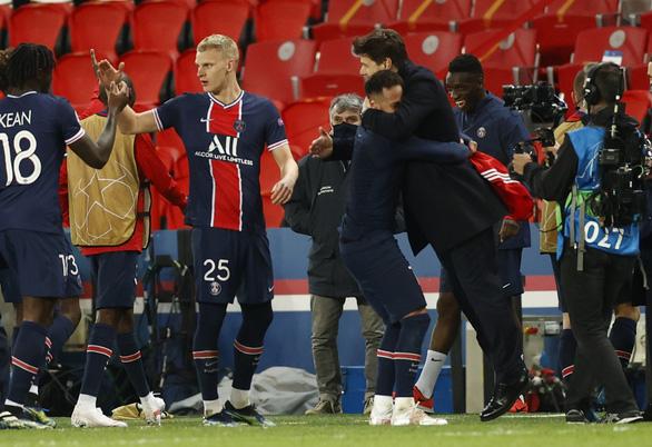 Bayern Munich thắng PSG và thành... cựu vương Champions League - Ảnh 1.