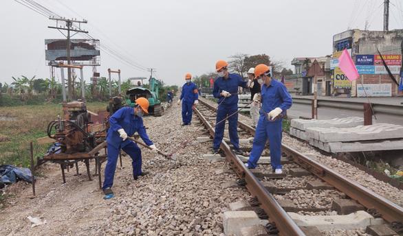 Đường sắt kiến nghị khẩn Thủ tướng vì tranh luận vốn bảo trì - Ảnh 1.