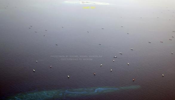 Thêm 136 tàu Trung Quốc xuất hiện gần đá Ga Ven, Philippines tố là tàu dân quân biển - Ảnh 2.