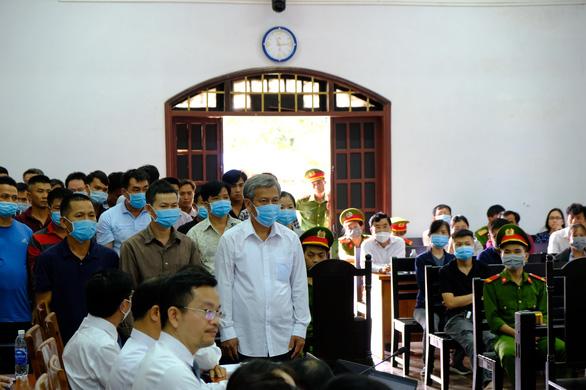 Trịnh Sướng bị đề nghị mức án từ 12-13 năm tù vì sản xuất buôn bán xăng giả - Ảnh 3.