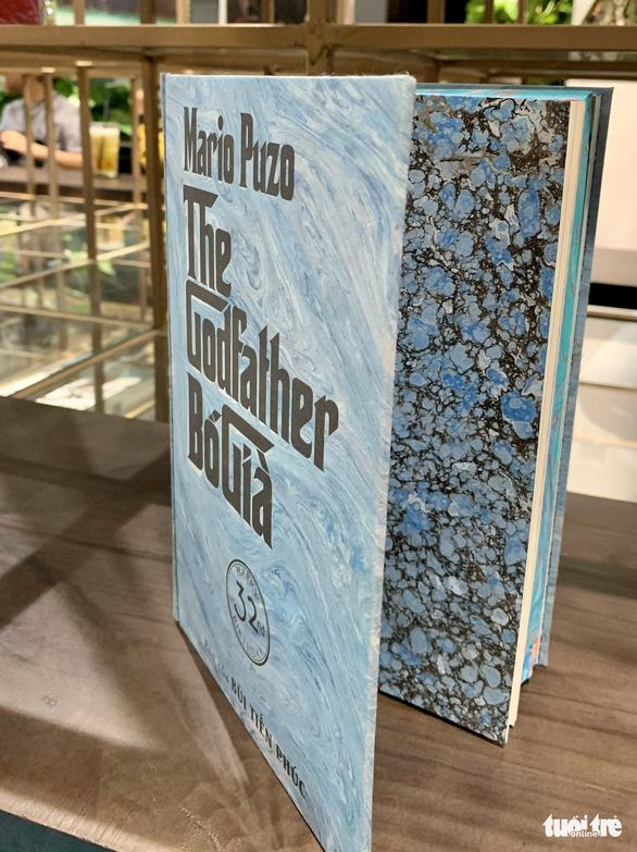 Thủy ấn họa: Độc đáo nghệ thuật vẽ tranh trên mặt nước - Ảnh 2.
