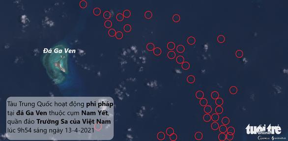Thêm 136 tàu Trung Quốc xuất hiện gần đá Ga Ven, Philippines tố là tàu dân quân biển - Ảnh 1.