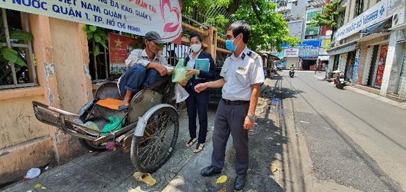 Sài Gòn hổng có gì hết trơn, chỉ có mỗi chữ thương - Ảnh 3.