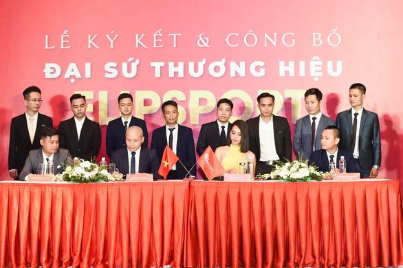 Hoa hậu Trần Tiểu Vy trở thành Đại sứ thương hiệu Elipsport - Ảnh 1.