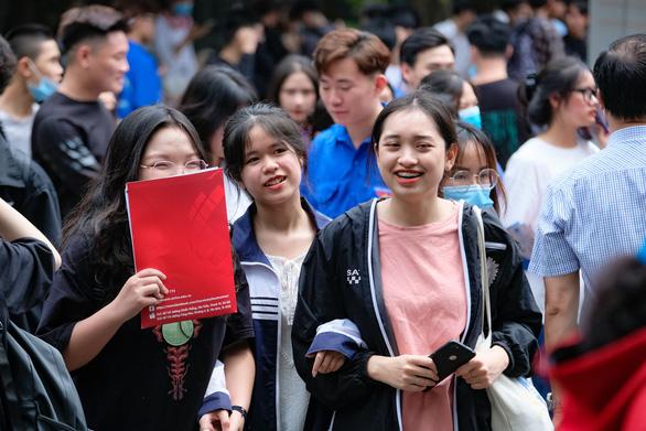 ĐH Quốc gia Hà Nội mở 2 ngành đào tạo nhân lực giỏi chuyên môn và ngoại ngữ - Ảnh 1.