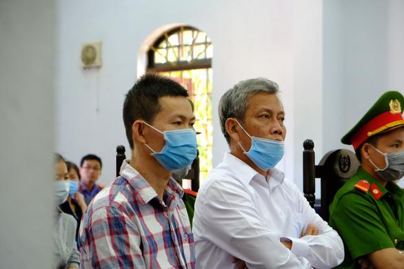 Trả hồ sơ, tạm dừng phiên tòa xử Trịnh Sướng và 38 bị cáo - Ảnh 1.