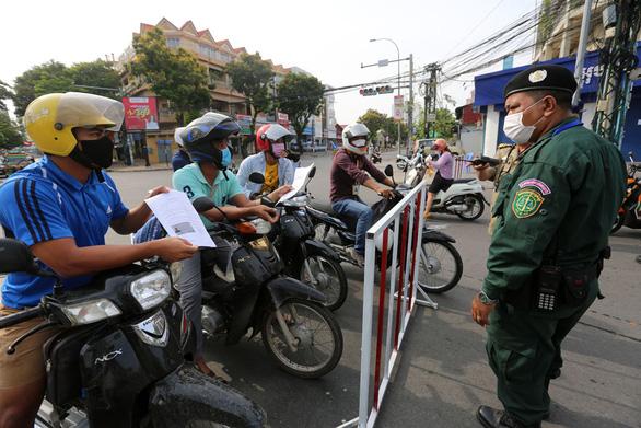 Thái Lan lập kỷ lục ca nhiễm mới, Campuchia thêm 334 ca bất chấp lệnh giới nghiêm - Ảnh 2.