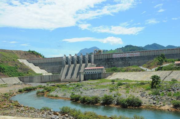 Hai huyện miền núi ở Quảng Ngãi gánh 16 dự án thủy điện - Ảnh 1.