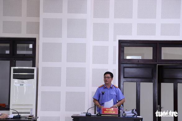 7 người tổ chức cho 14 người Trung Quốc nhập cảnh, ở 'chui' tại Đà Nẵng để đánh bạc hầu tòa - Ảnh 2.