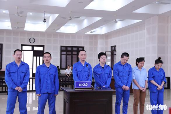 7 người tổ chức cho 14 người Trung Quốc nhập cảnh, ở 'chui' tại Đà Nẵng để đánh bạc hầu tòa - Ảnh 3.